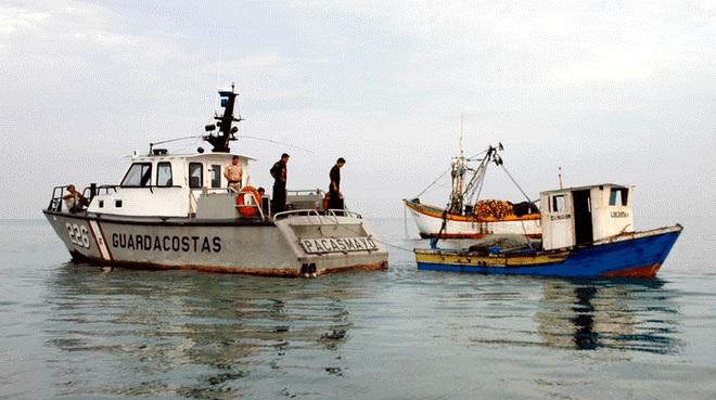embarcaiones ecuatoriana ilegales