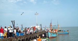 Por vientos fuertes Capitanía de Pisco dispuso cierre de terminales y caletas