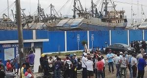 Pescadores y trabajadores de COPEINCA y CFG INVESMENT exigen pago de utilidades