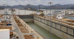 Barco chino será el primero en cruzar el Canal de Panamá ampliado